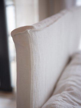 vit sänggavel linnetyg