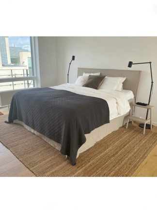 sängkappa i oblekt linnetyg